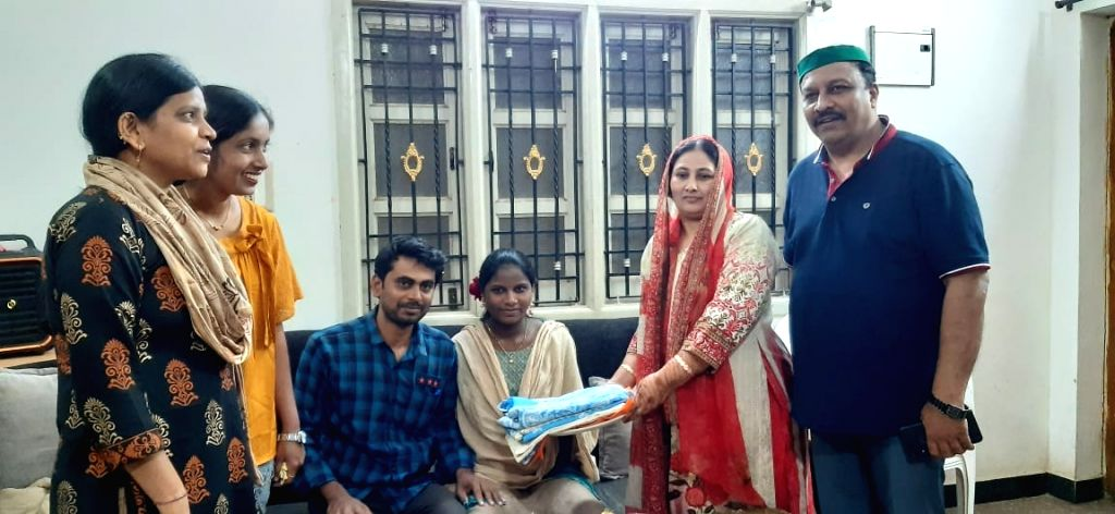 Muslim family in K'taka performs baby shower ceremony of Hindu girl, wins hearts