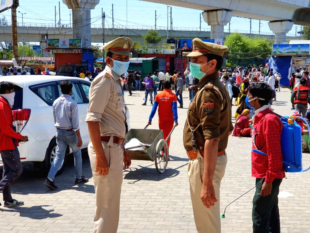 Muslims cremate Hindu neighbour during lockdown