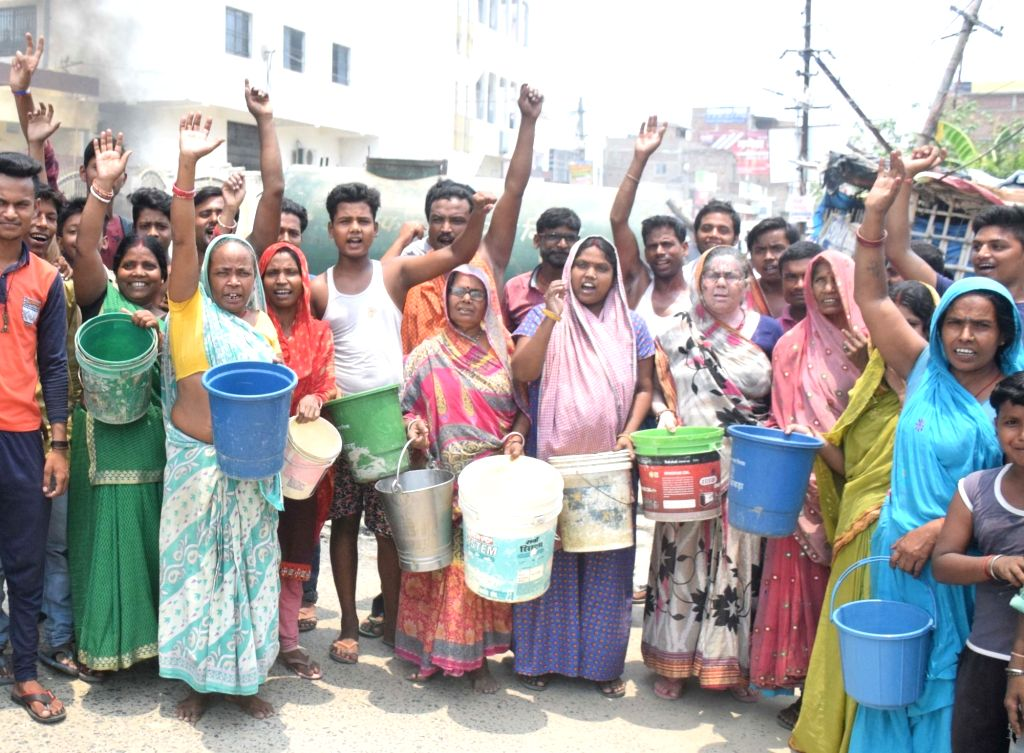 Muzaffarpur: People stage a demonstration against water crisis demanding the supply of potable water, in Bihar's Muzaffarpur on June 29, 2019. (Photo: IANS)