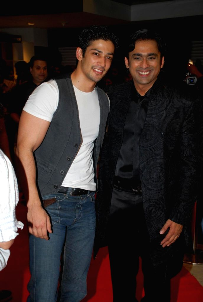"Muzzamil Ibrahim and Anuj Saxena at the ""Aloo Chat"" film premiere."