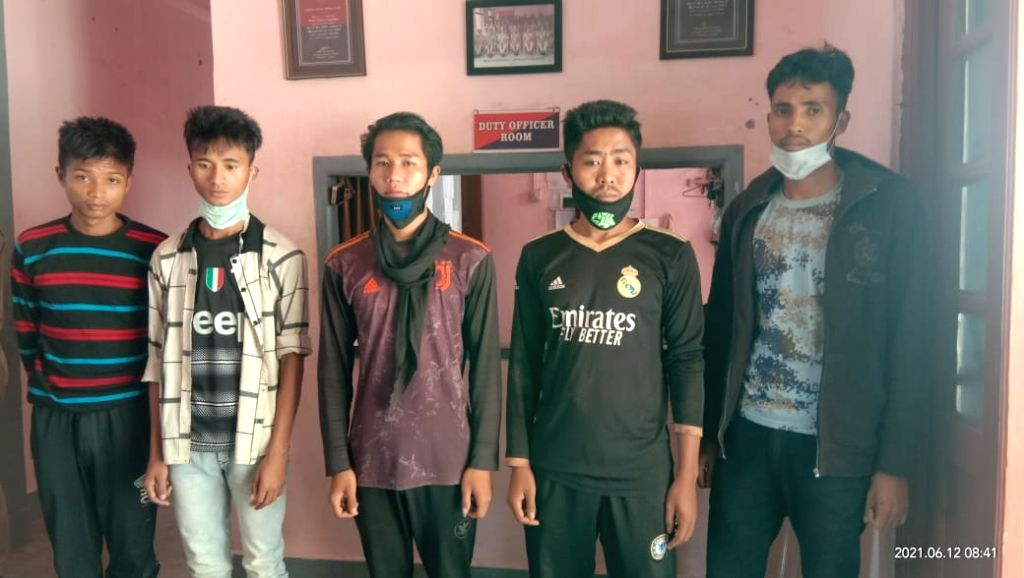Myanmar militants held with arms in Mizoram.