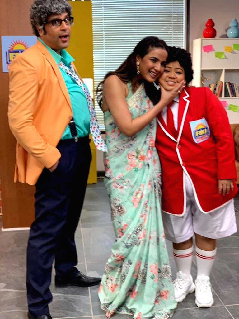 Naagin' star Jasmin Bhasin is Bharti Singh's mom in comedy show. - Bharti Singh