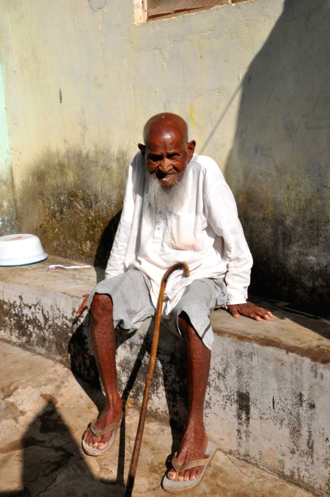 Nabarangpur: Well known freedom fighter Mohammed Bazi passed away at the age of 102 following illness in Odisha's Nabarangpur district on June 27, 2019. Bazi, who was unmarried, breathed his last at his residence. He was laid to rest with full state
