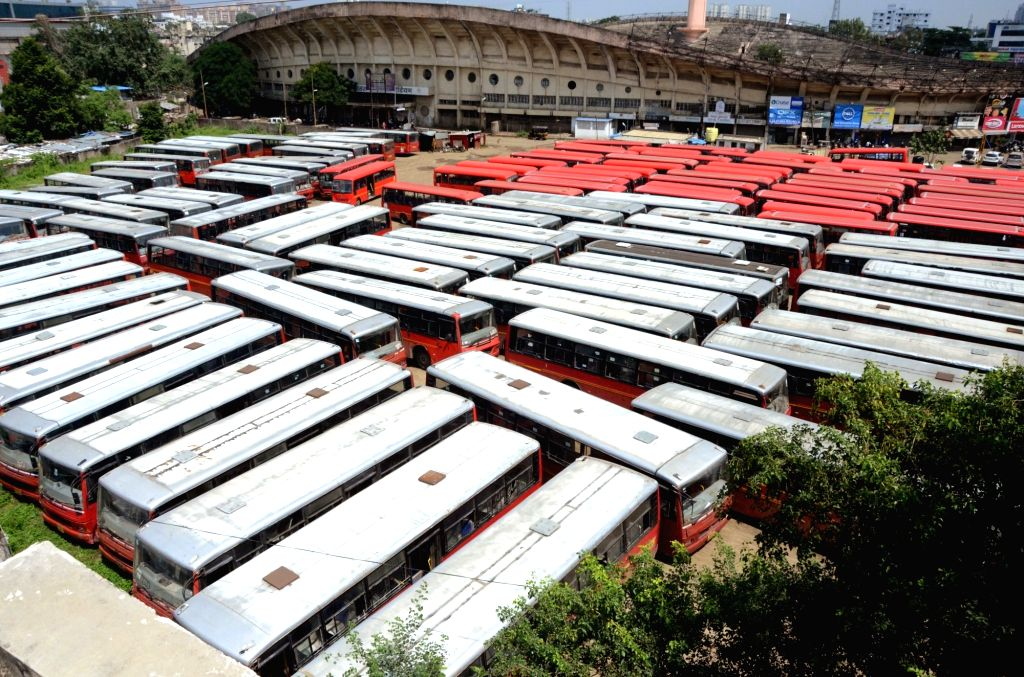 Nagpur: Buses remain parked at a bus depot as Aapli bus operators went on a strike to protest against the non-payment of dues by Nagpur Municipal Corporation (NMC), in Nagpur on Sept 25, 2018. (Photo: IANS)