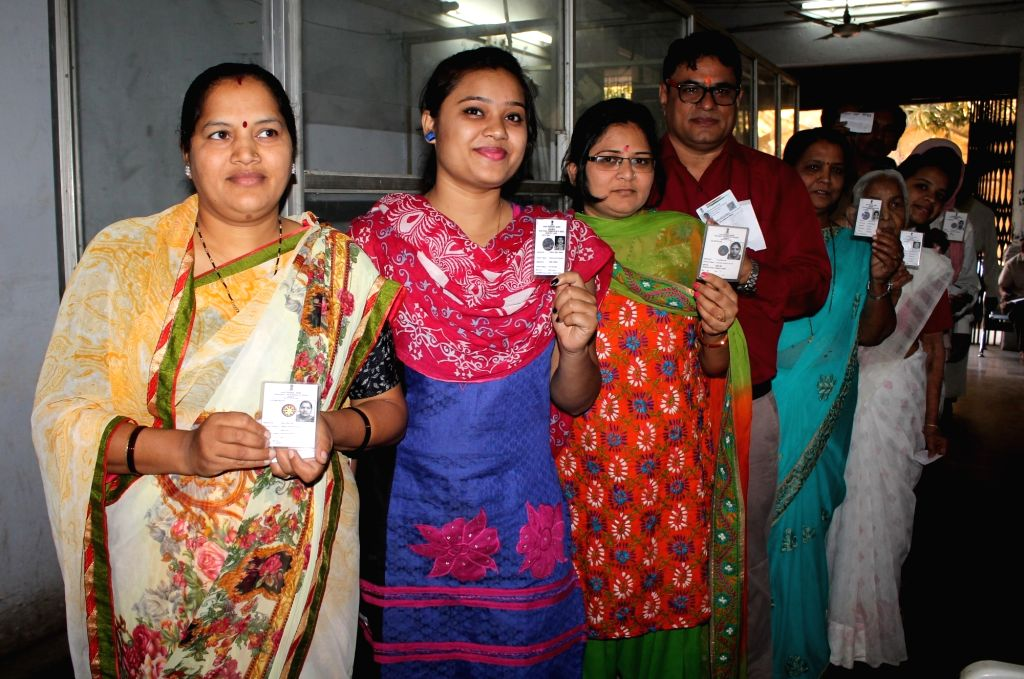 Nagpur: People queue up to cast their votes during Nagpur Municipal Corporation polls on Feb 21,2017. (Photo: IANS)