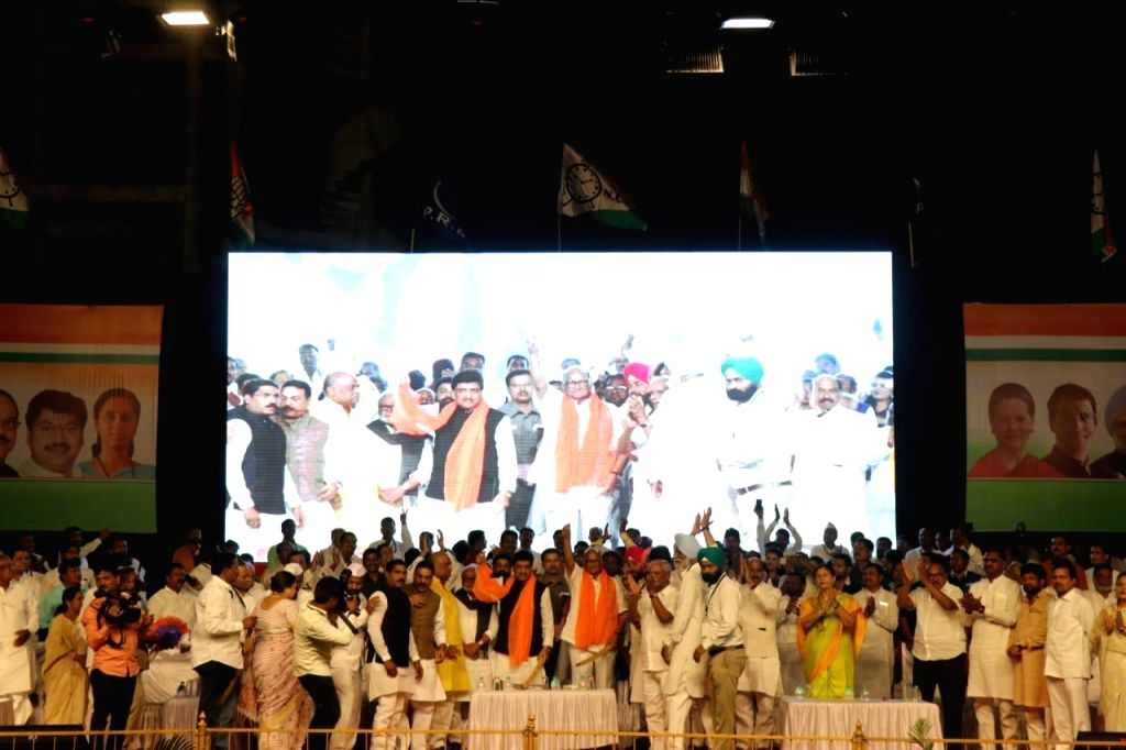 Nanded: NCP chief Sharad Pawar and Maharashtra Congress president Ashok Chavan during a rally ahead of the Lok Sabha polls in Maharashtra's Nanded on Feb 20, 2019. (Photo: IANS)