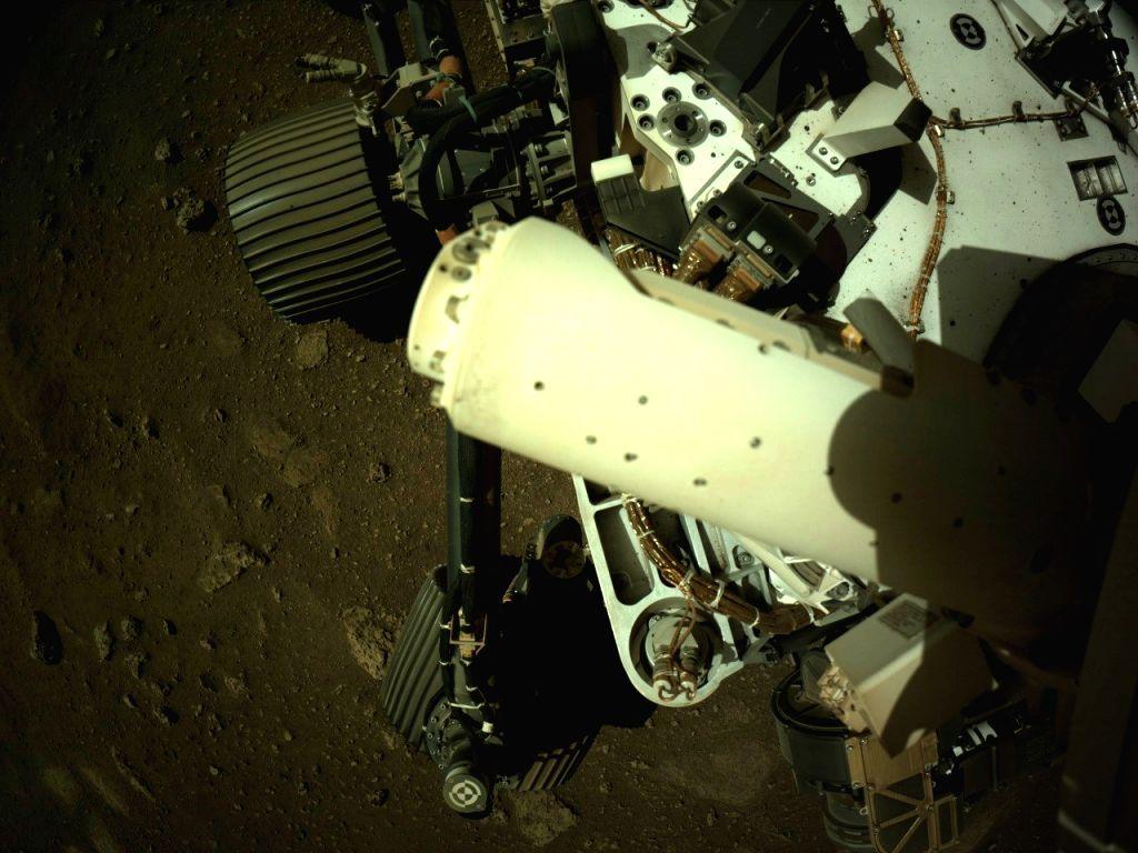NASA's Perseverance Mars rover deploys wind sensor.(photo:NASA)