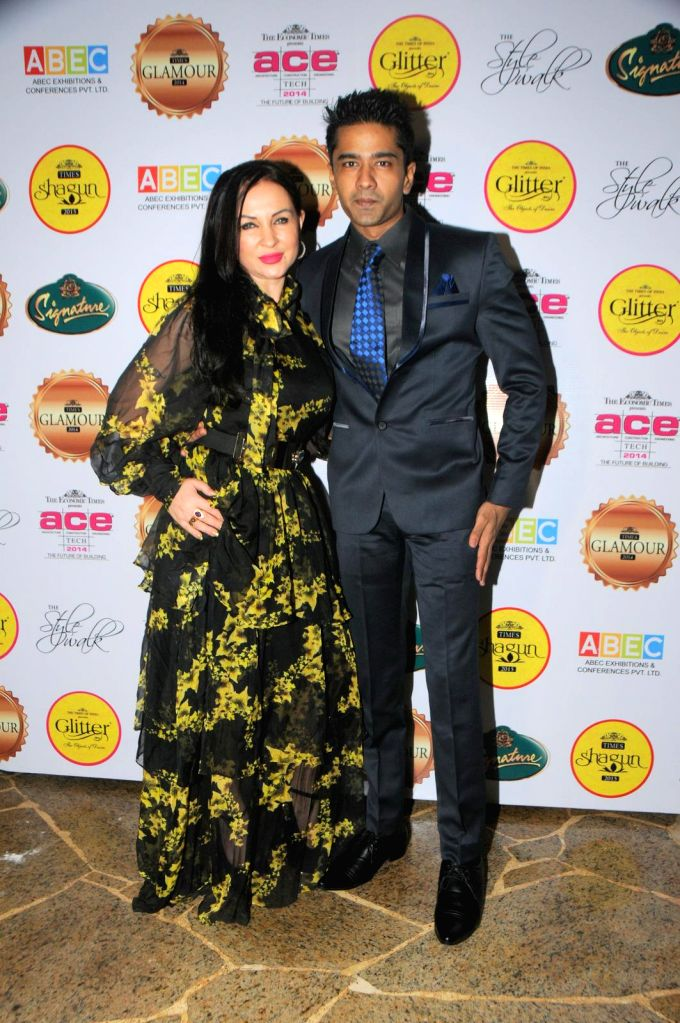 Nataliya Kozhenova with Vinit Kakkar during the gala musical dinner hosted by Bulbeer Gandhi, Additional director, Asian Business Exhibition and Conferences (ABEC) for prominent jewelers across the ..