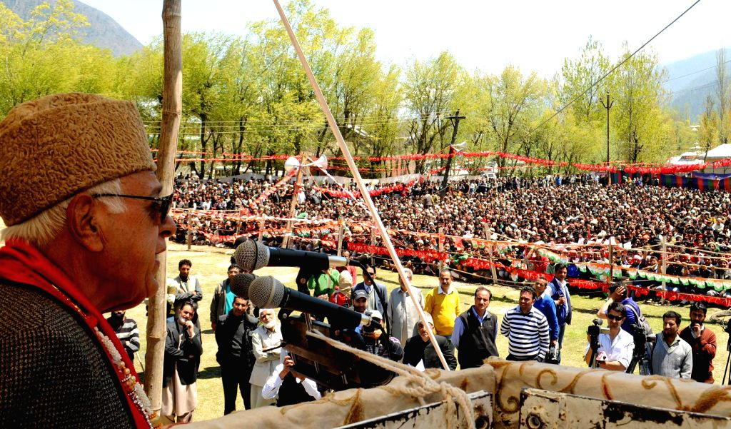 National Conference president and Union minister Farooq Abdullah during a rally in Kangan of Jammu and Kashmir on April 28, 2014. - Farooq Abdullah