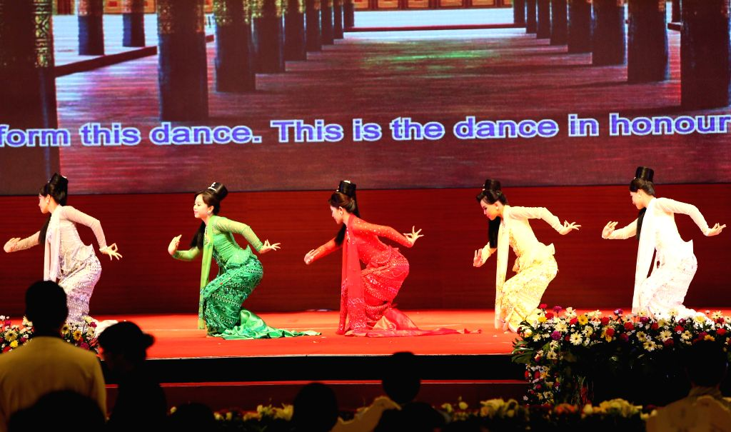 Artists perform during the 24th ASEAN Summit welcome dinner at the Myanmar International Convention Center in Nay Pyi Taw, Myanmar, May 10, 2014.
