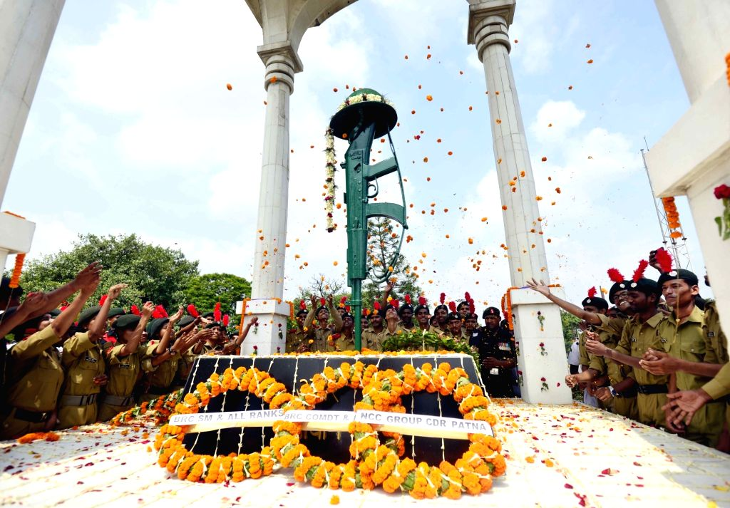 NCC Cadets pay tributes to martyrs on the 20th Anniversary of Kargil Vijay Diwas, in Patna on July 26, 2019.
