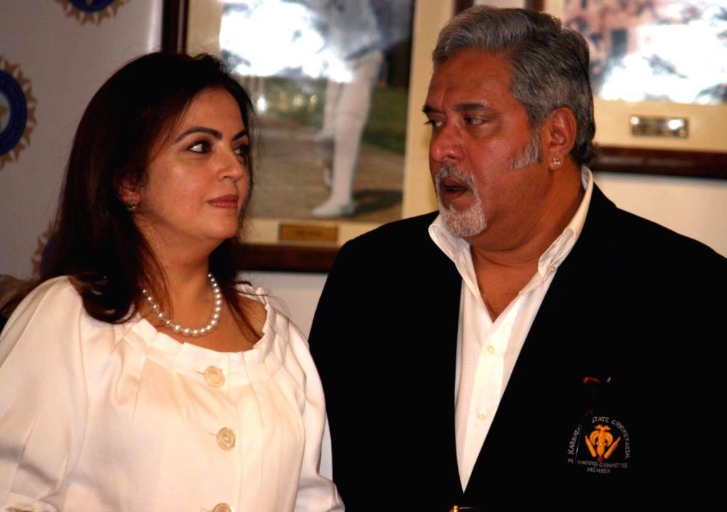 Neeta and Vijay at IPL press meet.