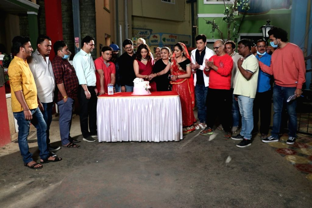Nehha Pendse begins shooting as Anita Bhabhi in 'Bhabiji Ghar Par Hai