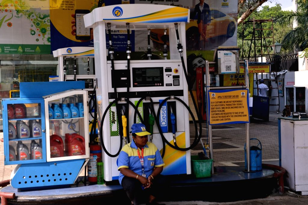 :New Delhi: A deserted petrol pump in New Delhi on Oct. 22, 2018. Delhi Petrol Dealers Association said in a statement that petrol pumps and linked CNG stations will remain shut in protest against ...