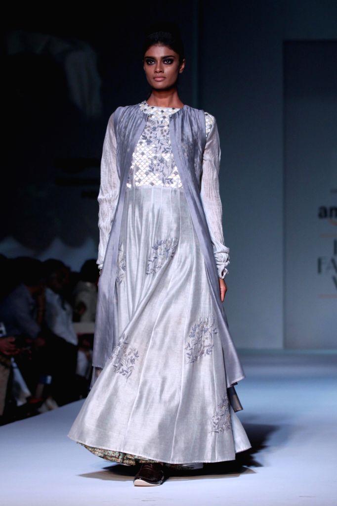 A model showcases fashion designer Pratima Pandey`s creations during Amazon India Fashion Week in New Delhi, on March 28, 2015.