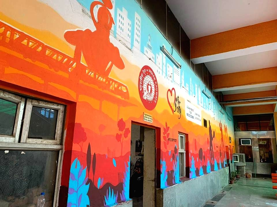 New Delhi: A view of the walls of Hazrat Nizamuddin Railway Station, one of Delhi's busiest stations, which are now sporting vibrant paintings of the icons of the national capital, including the Lotus Temple, India Gate and the Delhi metro, on July 3