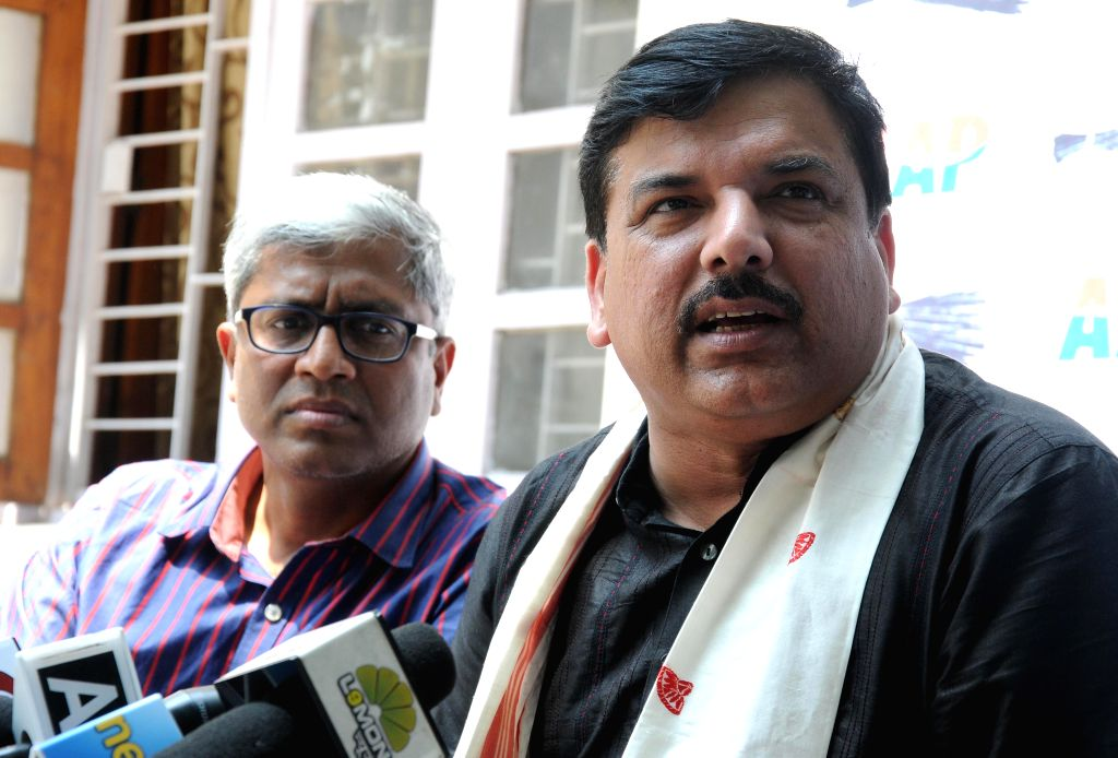 Aam Aadmi Party (AAP) leaders Ashutosh and Sanjay Singh during a press conference in New Delhi, on April 20, 2015. - Sanjay Singh