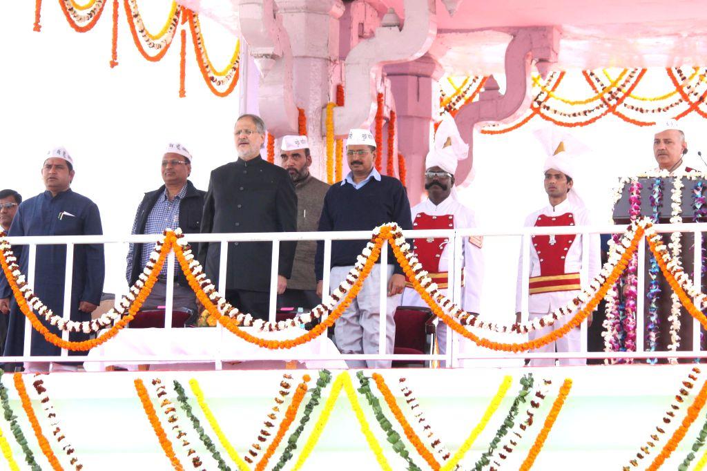 Aam Aadmi Party (AAP) leaders Sandeep Kumar, Satyendra Jain, Gopal Rai, Arvind Kejriwal, Manish Sisodia and Jitendra Singh Tomar with Delhi Lieutenant Governor Najeeb Jung during the ... - Arvind Kejriwal, Sandeep Kumar, Satyendra Jain, Gopal Rai and Jitendra Singh Tomar