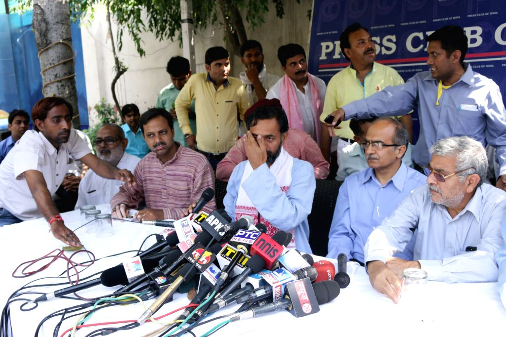 AAP dissident leaders Yogendra Yadav, Prashant Bhushan and other leaders during a press conference in New Delhi on March 28, 2015.