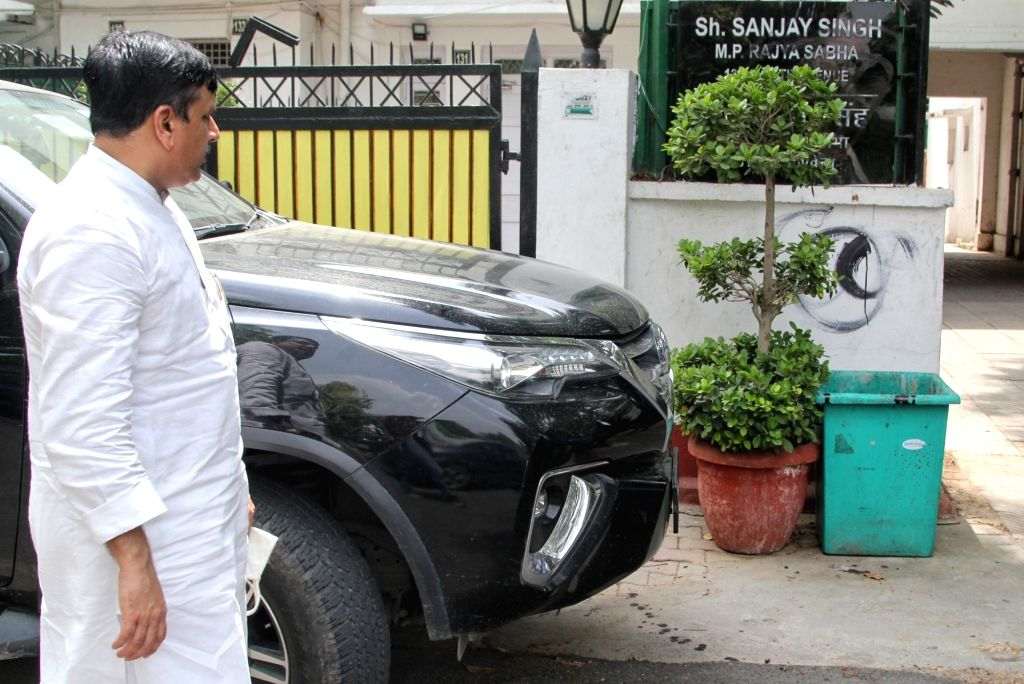New Delhi :  AAP leader and Rajya Sabha MP Sanjay Singh comment on Ayodhya Ram Mandir, BJP workers putting black ink on  Sanjay Singh's house nameplate at North Avenue in New Delhi on Tuesday 15 June ... - Sanjay Singh