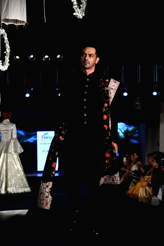 New Delhi: Actor  Arjun Rampal walks on the ramp for fashion designers Abu Jani and Sandeep Khosla' show Khadi Goes Global - celebrate 100 years of Khadi, in New Delhi on Feb. 21, 2019. (Photo: IANS) - Arjun Rampal