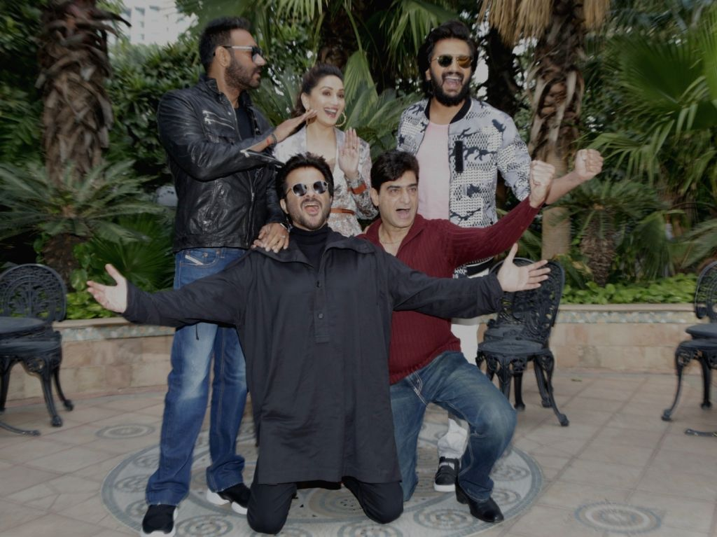 "New Delhi: Actors Ajay Devgn, Anil Kapoor, Riteish Deshmukh and Madhuri Dixit with director Indra Kumar at the promotional interview of their upcoming film ""Total Dhamaal"" in New Delhi, on Feb 18, 2019. (Photo: Amlan Paliwal/IANS) - Indra Kumar, Ajay Devgn, Anil Kapoor, Riteish Deshmukh and Madhuri Dixit"