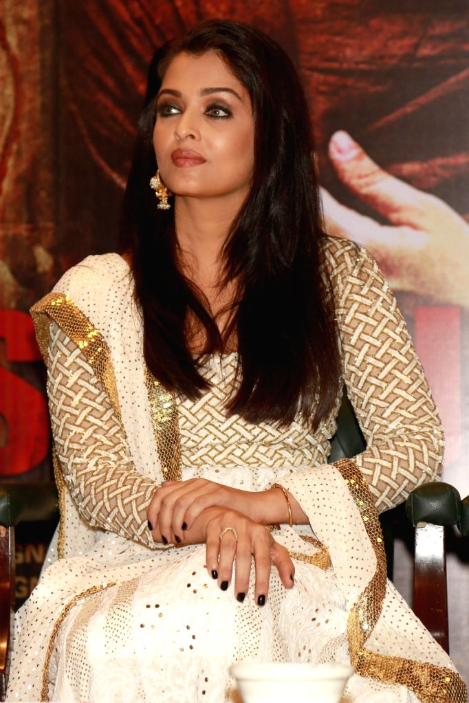 "New Delhi: Actress Aishwarya Rai Bachchan during a press conference to promote their film ""Sarbjit"" in New Delhi, on May 20, 2016. - Aishwarya Rai Bachchan"
