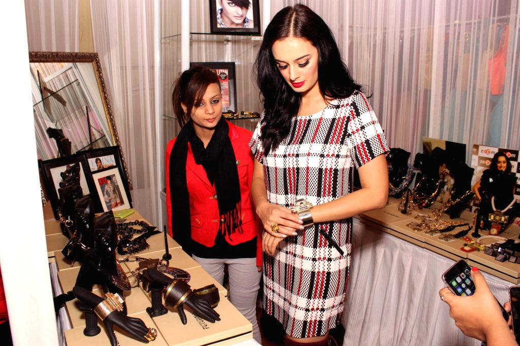 Actress Evelyn Sharma during the 'Fashion Capsule - Grande 2015' in New Delhi on Jan 16, 2015. - Evelyn Sharma
