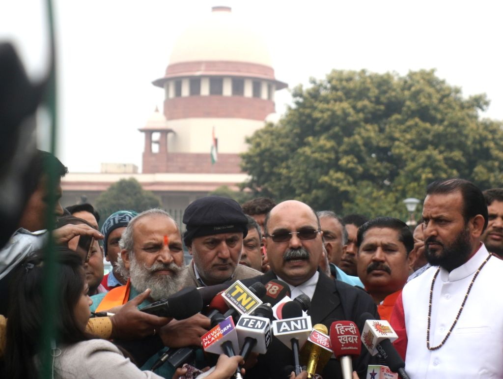New Delhi: Akhil Bharat Hindu Mahasabha (ABHM) lawyer Barun Kumar Sinha talks to press in New Delhi on Feb 26, 2019. The Supreme Court (SC) on Tuesday said it may order mediation for the amicable resolution of the Ayodhya title issue as it defers pas - Barun Kumar Sinha