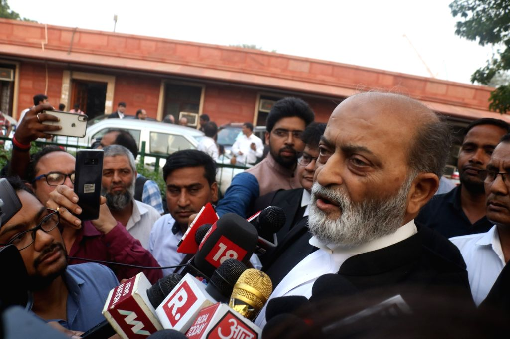 New Delhi: All India Babri Masjid Action Committee (AIBMAC) convener and Sunni Waqf Board's advocate Zafaryab Jilani talks to the media outside the Supreme Court after the hearing in Ayodhya title dispute case came to an end, in New Delhi on Oct 16,