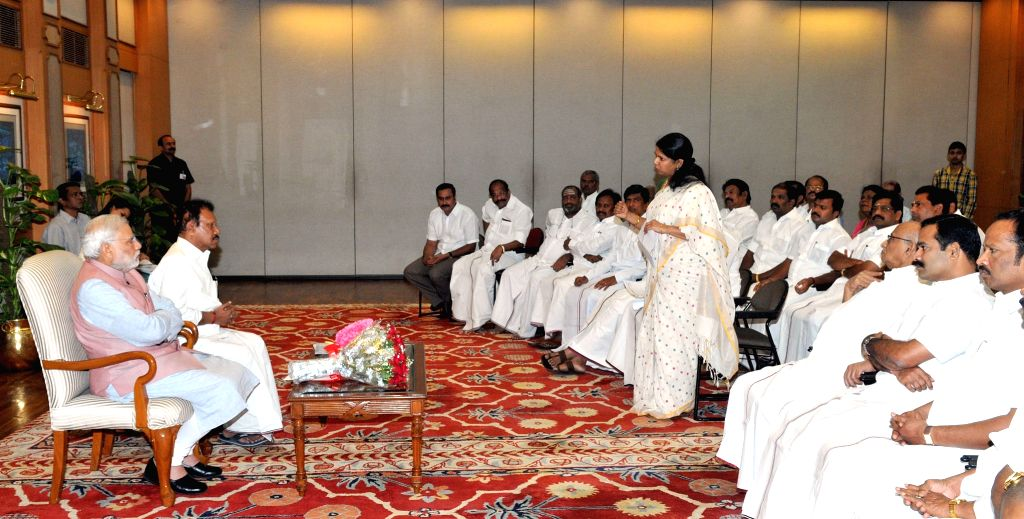 All party delegation of MPs from Tamil Nadu calls on the Prime Minister Narendra Modi, in New Delhi on March 28, 2015. - Narendra Modi