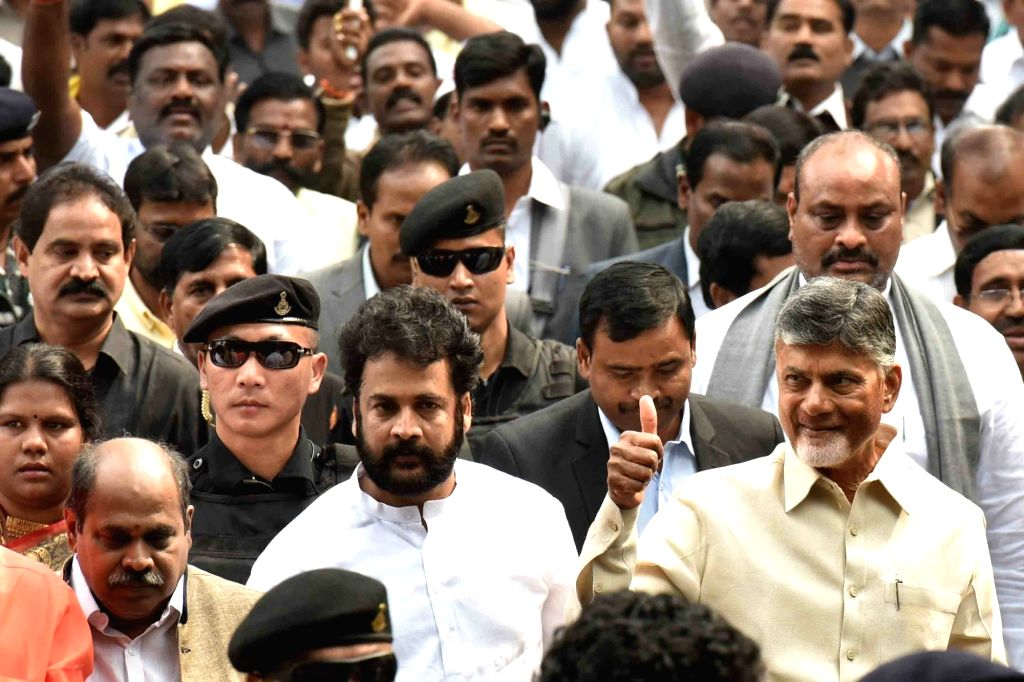 New Delhi: Andhra Pradesh Chief Minister N. Chandrababu Naidu marches towards Rashtrapati Bhawan in New Delhi, on  Feb 12, 2019. (Photo: IANS) - N. Chandrababu Naidu