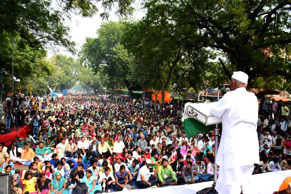 Anna Hazare addresses during a demonstration organised to protest against the land acquisition ordinance at Jantar Mantar in New Delhi on Feb 25, 2015.