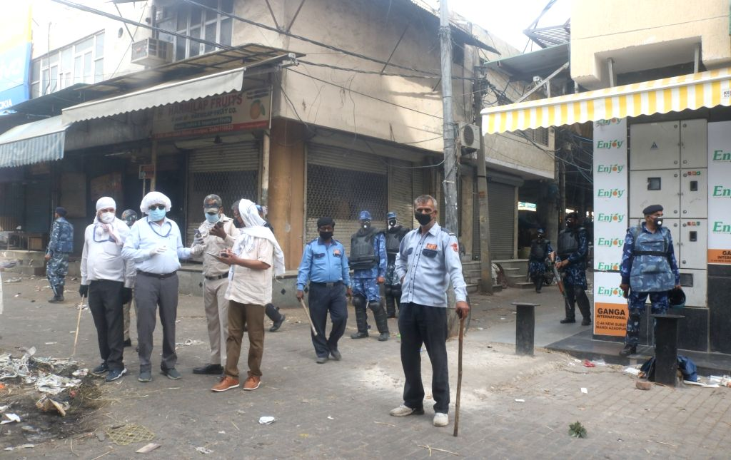 New Delhi, April 22 (IANS) In the wake of the death of a commission agent at Azadpurs wholesale fruits and vegetables market in Delhi due to novel coronavirus, authorities have started the process of tracing all those who came in contact with the vic