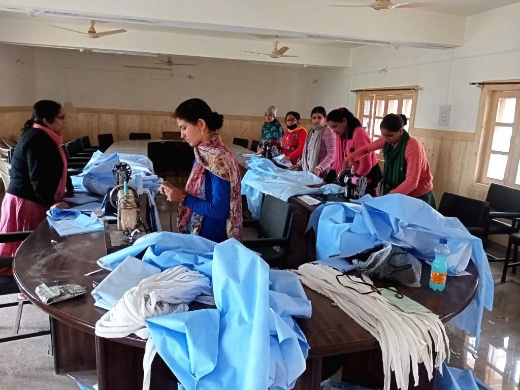"""New Delhi, April 9 (IANS) The government has roped in 20 domestic manufacturers to meet the growing demand of personal protective equipment (PPE). """"Orders for 1.7 crore PPEs and 49,000 ventilators have been placed and their supply has begun,"""" said La"""