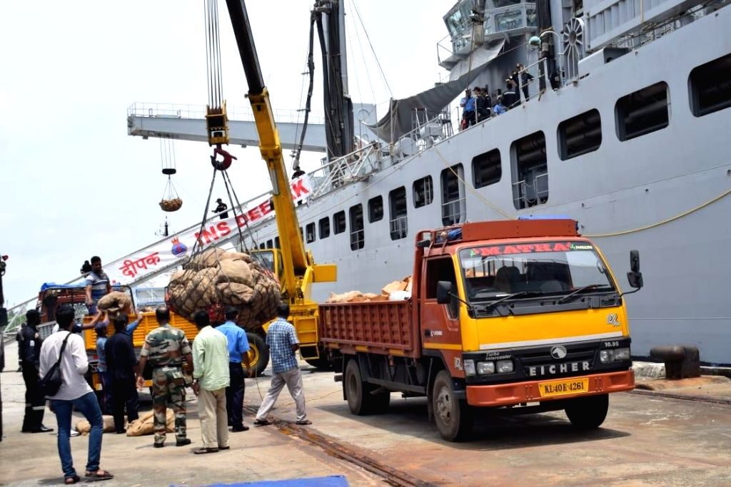 New Delhi, April 9 (IANS) To help the needy amid the Covid-19 lockdown, the Navy provided ration packets, comprising basic food items, to Maharashtra government for distribution among stranded migrant labourers in Mumbai.	(File Photo: IANS/DPRO)