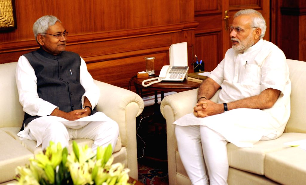 Bihar Chief Minister Nitish Kumar calls on Prime Minister  Narendra Modi, in New Delhi on March 26, 2015. - Nitish Kumar and Narendra Modi