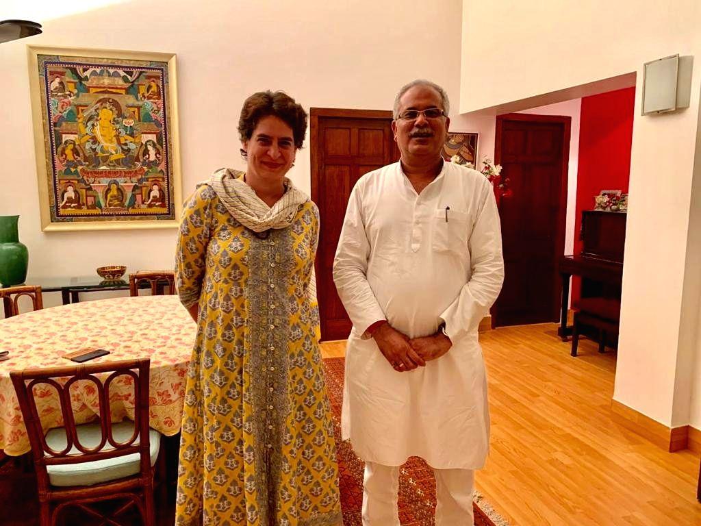 New Delhi: Chhattisgarh Chief Minister Bhupesh Baghel meets Congress General Secretary Priyanka Gandhi Vadra at her residence in New Delhi on Sep 14, 2019. (Photo: IANS) - Bhupesh Baghel
