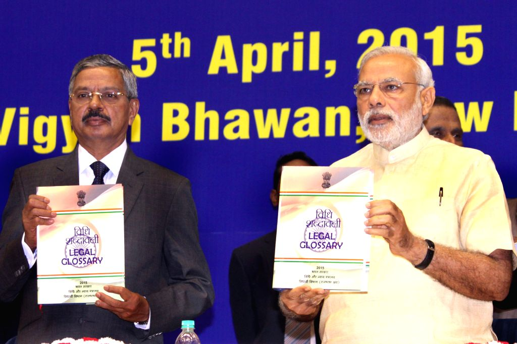 Chief Justice of India, H.L. Dattu and Prime Minister Narendra Modi during the Joint Conference of Chief Ministers and Chief Justices of High Courts, in New Delh on April 05, 2015. - Narendra Modi