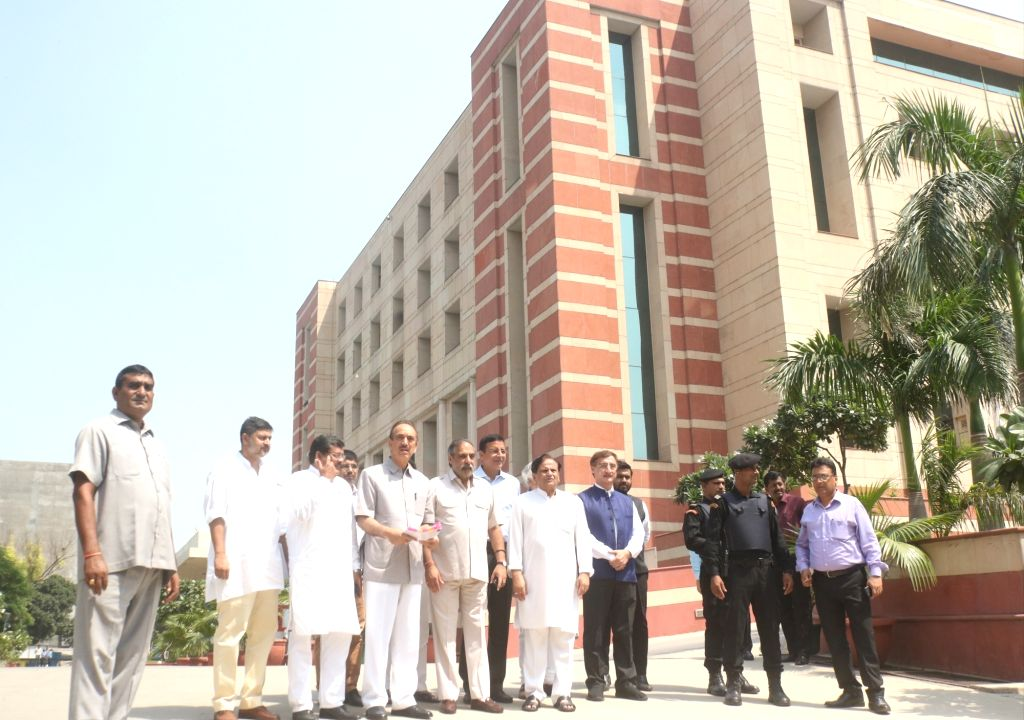 :New Delhi: Congress delegation led by party leaders Ghulam Nabi Azad, Anand Sharma, Randeep Singh Surjewala, Ahmed Patel and Vivek Tankha; arrive to meet the Comptroller and Auditor General of ...