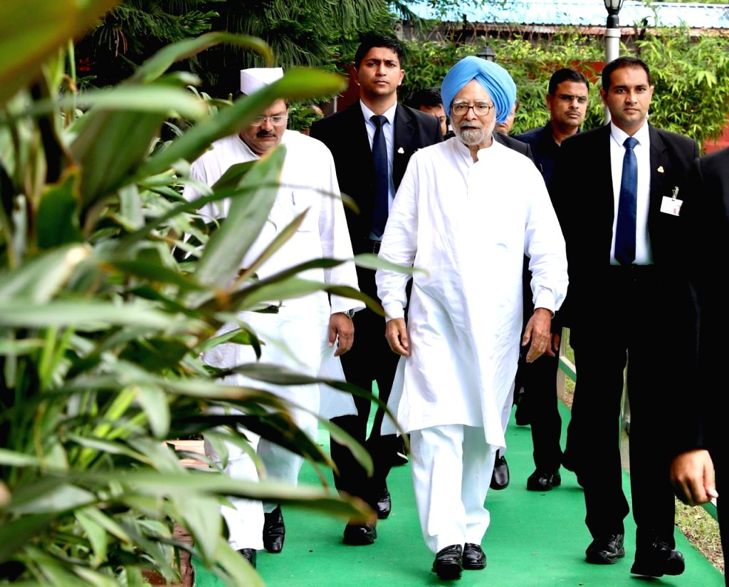 New Delhi: Congress leader Dr Manmohan Singh arrives at party headquarters to participate in Independence Day celebrations in New Delhi on Aug 15, 2019. (Photo: IANS) - Manmohan Singh