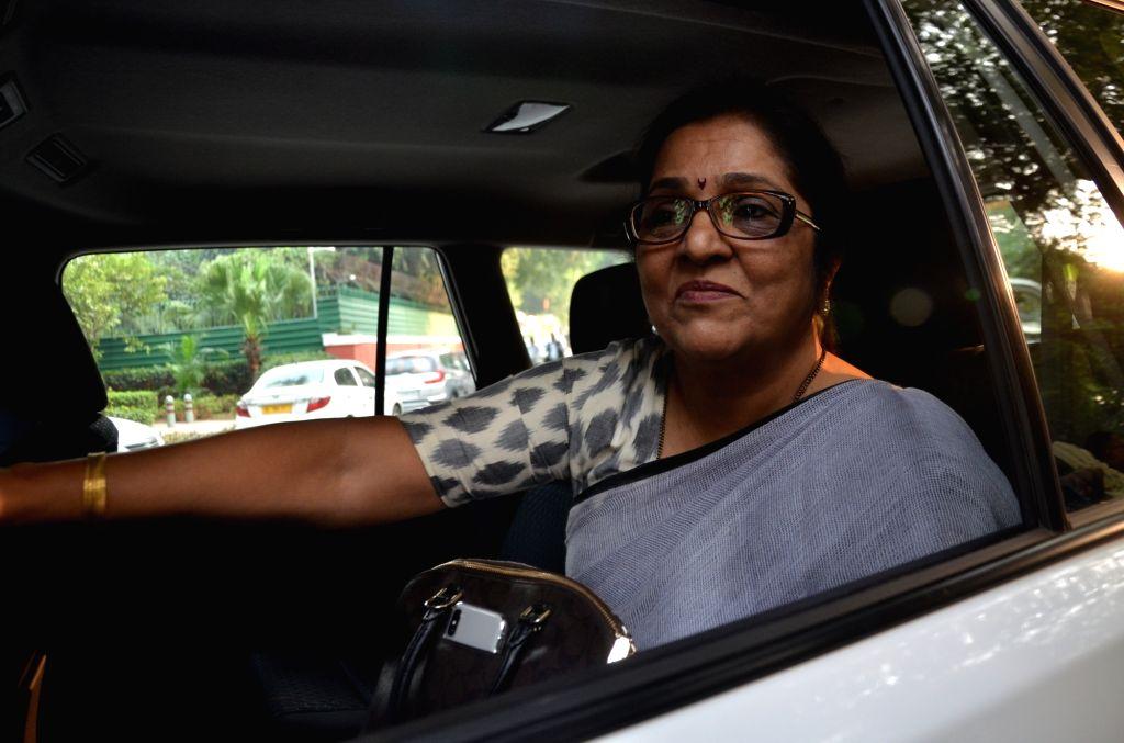 New Delhi: Congress leader Rajni Patil arrives to meet party President Sonia Gandhi at her residence in New Delhi on Nov 11, 2019. (Photo: IANS) - Rajni Patil and Sonia Gandhi