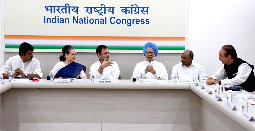 New Delhi: Congress leaders Ghulam Nabi Azad, A. K. Antony, Dr. Manmohan Singh, Rahul Gandhi, Sonia Gandhi and K. C. Venugopal during Congress Working Committee meeting in New Delhi on Aug 10, 2019. (Photo: IANS) - Manmohan Singh, Rahul Gandhi and Sonia Gandhi
