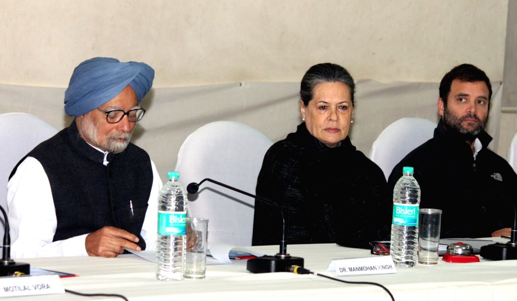 Congress leaders Sonia Gandhi and Rahul Gandhi at the Congress working Committee meeting, in New Delhi on Jan 13,2015. - Sonia Gandhi and Rahul Gandhi