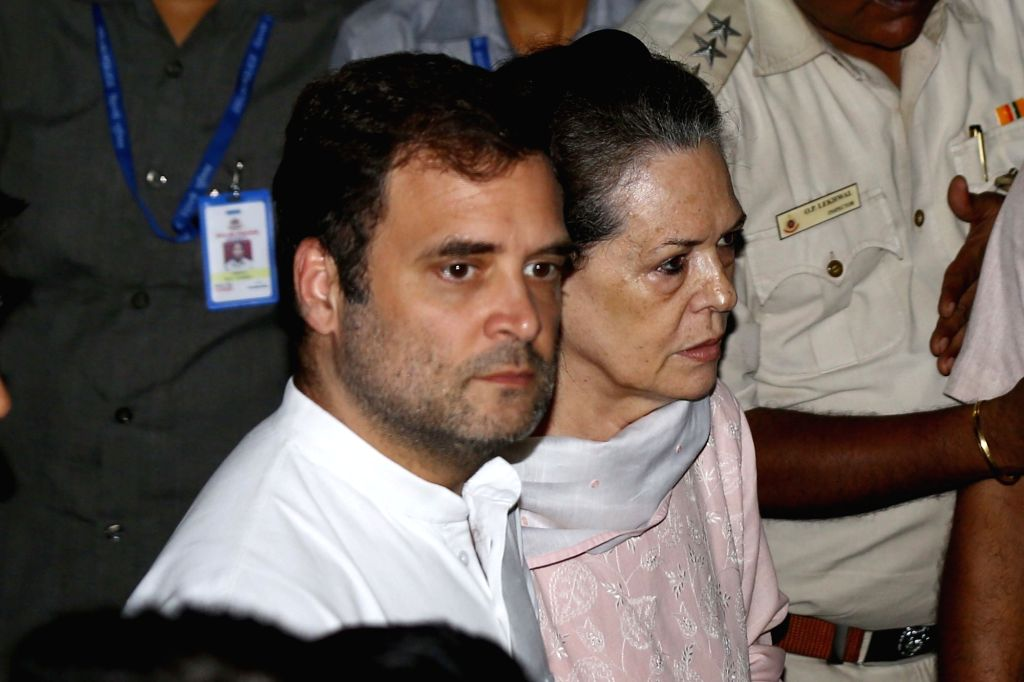 New Delhi: Congress leaders Sonia Gandhi, Rahul Gandhi arrive to pay tribute to Arun Jaitley at his residence in New Delhi on Aug 24, 2019. (Photo: IANS) - Sonia Gandhi, Rahul Gandhi and Arun Jaitley