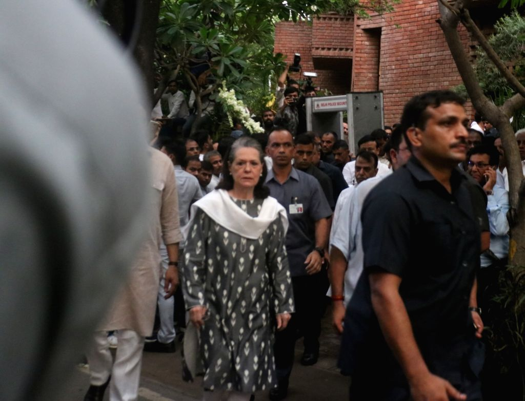 New Delhi: Congress President Sonia Gandhi arrives to pay tribute to Former Chief Minister Sheila Dikshit who passed away at a private hospital in New Delhi on July 20, 2019. (Photo: IANS) - Sheila Dikshit and Sonia Gandhi