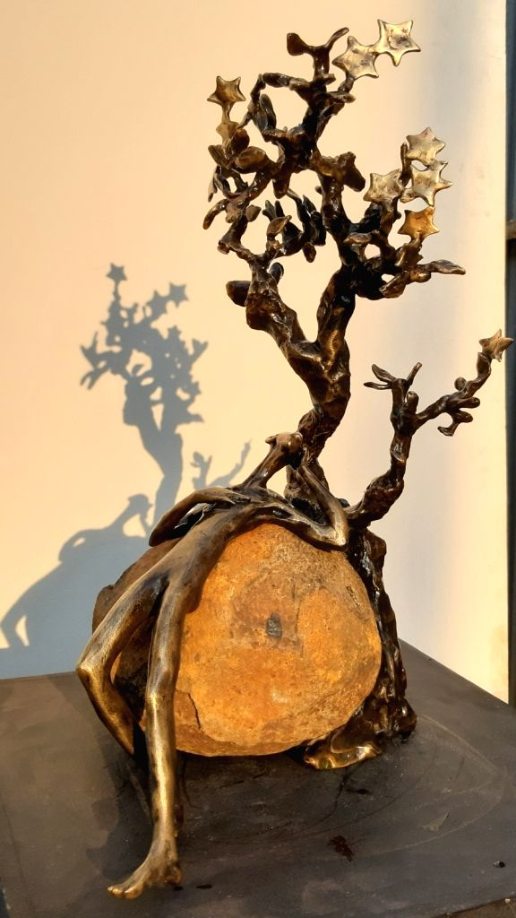 New Delhi, December 7: IANS: Sculptor Dimpy Menon's solo show 'Through the leaves to the light' will open on December 11 at Art Positive in the capital. - Dimpy Menon