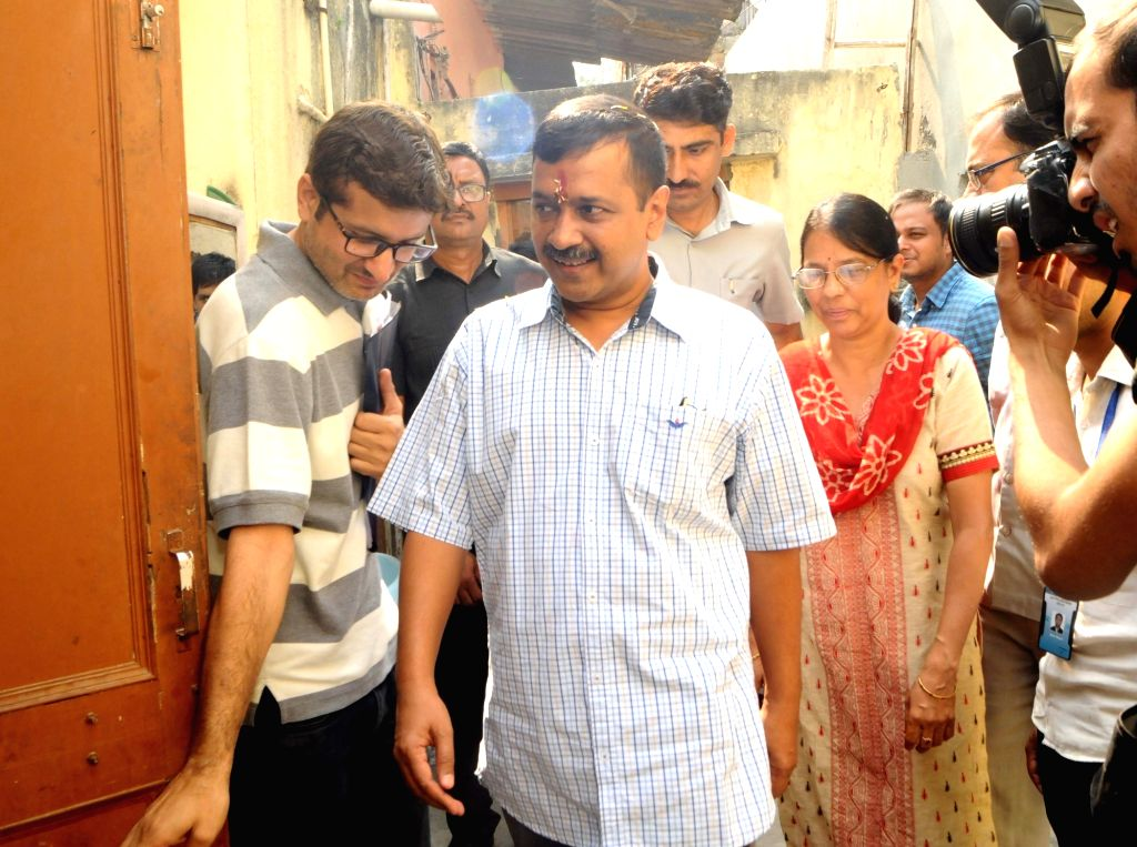 : New Delhi: Delhi Chief Minister and Aam Aadmi Party supremo Arvind Kejriwal at the launch of his party's door to door campaign for the 2019 Lok Sabha polls, in New Delhi on Oct 21, 2018. ...