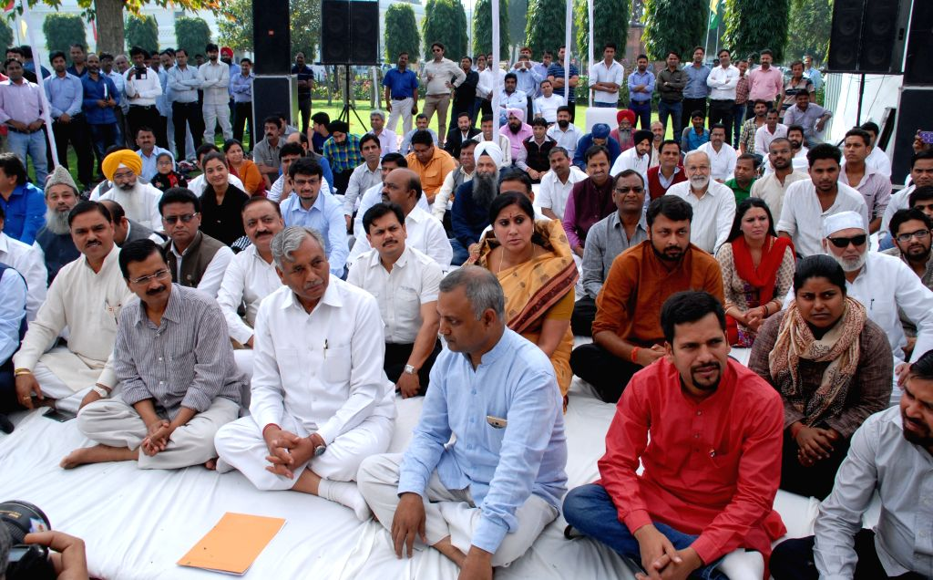 Delhi Chief Minister Arvind Kejriwal and other AAP leaders during a programme organised to celebrate Shaheed Diwas in New Delhi, on March 23, 2015. - Arvind Kejriwal