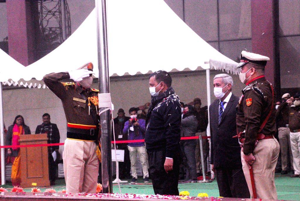 New Delhi: Delhi Chief Minister Arvind Kejriwal hoist the national Flag to mark 72th Republic Day celebration at Delhi secretariat in new Delhi on Monday. deputy Chief minister Manish Sisodia, health minister Satyendra Jain and others  dignitaries pr - Arvind Kejriwal and Satyendra Jain